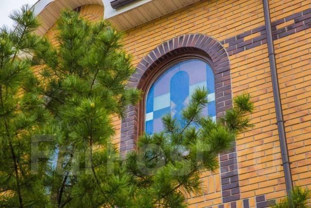 Элитное домовладение c банным комплексом от собственника. Улица Сливовая 9, р-н Сахарный ключ, площадь дома 620 кв.м., скважина, электричество 30 кВт...