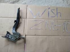 Крепление капота. Toyota Wish, ZNE10, ZNE10G