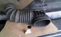Патрубок воздухозаборника. Mitsubishi Chariot, N33W, N34W, N38W, N43W, N44W, N48W 4D68, 4G63, 4G63T, 4G64