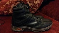 Ботинки. 40