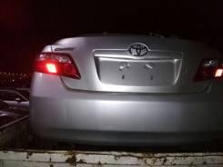Крышка багажника. Toyota Camry