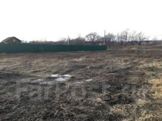 Срочно продам земельный участок в Прохладном под строительство дома. 1 500 кв.м., собственность, электричество, вода, от частного лица (собственник)...