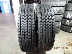 Bridgestone W900. Зимние, без шипов, 2015 год, износ: 5%, 2 шт