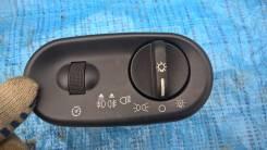 Кнопка включения света. Ford Explorer, u152