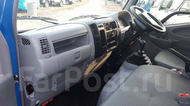 Toyota Dyna. 4WD, двухкабинник + борт, 2 000 куб. см., 1 500 кг.