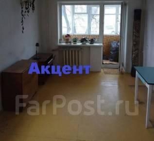 1-комнатная, улица Адмирала Юмашева 28. Баляева, агентство, 32 кв.м. Комната