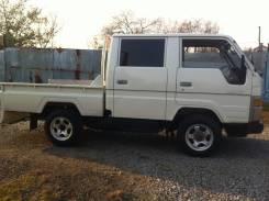 Toyota Hiace. Продам грузовик 4-х дверный, 2 400 куб. см., 1 000 кг.