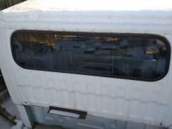 Стекло заднее. Nissan Atlas, N6F23