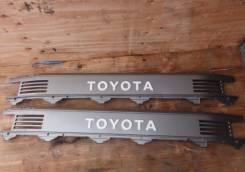 Решетка радиатора. Toyota Hiace Truck