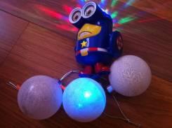 Елочные игрушки.
