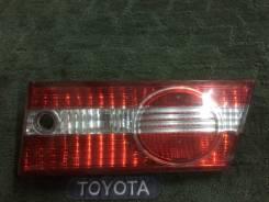 Вставка багажника. Toyota Vista, SV50