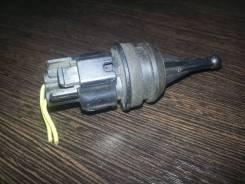 Датчик температуры охлаждающей жидкости. Subaru Forester, SG5 Двигатель EJ20