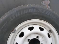 Bridgestone LC7000. Зимние, шипованные, износ: 10%, 4 шт