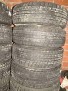Bridgestone ST30. Зимние, без шипов, 2011 год, 10%, 2 шт