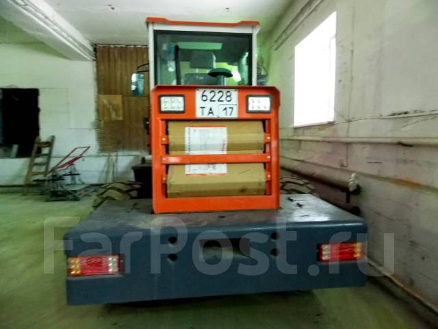 SZM. Продам фронтальный погрузчик, 1 500 кг.