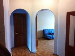 2-комнатная, улица Уборевича 28. Центр, частное лицо, 63 кв.м. Прихожая