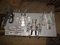 Крепление капота. Nissan X-Trail, NT30, PNT30, T30 Двигатели: QR20DE, QR25DE, SR20VET, YD22ETI