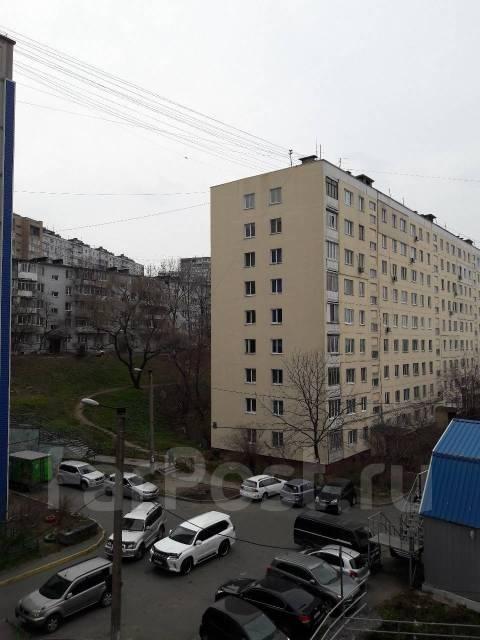 1-комнатная, проспект Красного Знамени 117д. Третья рабочая, 38кв.м. Вид из окна днем
