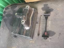 Крепление аккумулятора. Toyota Crown, JZS171, JZS171W