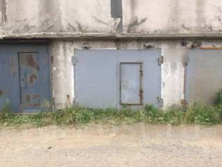 Гаражи капитальные. улица Ялтинская 18 стр. 2, р-н Эгершельд, 18 кв.м., электричество. Вид снаружи