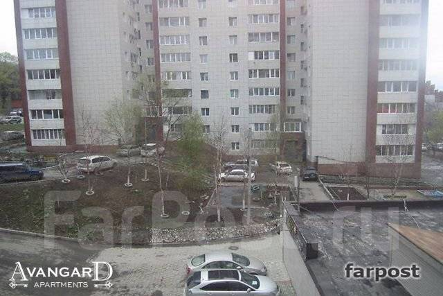 2-комнатная, улица Башидзе 5. Центр, 57 кв.м. Вид из окна днем