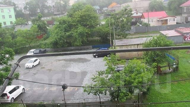 Гостинка, улица Липовая 2. Чуркин, 18кв.м. Вид из окна днем