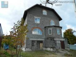 Продам дом для большой семьи в пригороде !. Улица Салтыкова 6, р-н Океанская, площадь дома 400 кв.м., централизованный водопровод, электричество 15 к...