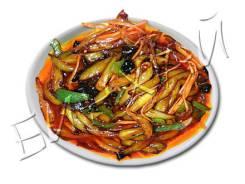 Баклажаны соломкой жареные с красным перцем в кисло-сладком соусе