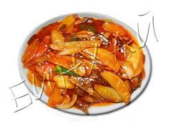 Говядина тушеная с картофелем и помидорами