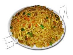 Рис жареный с говядиной и сладким перцем