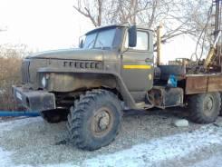 Урал 4320. , 1998год площадка.6х6, 2 000 куб. см., 1 000 кг.