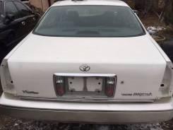 Крышка багажника. Toyota Crown Majesta, UZS155