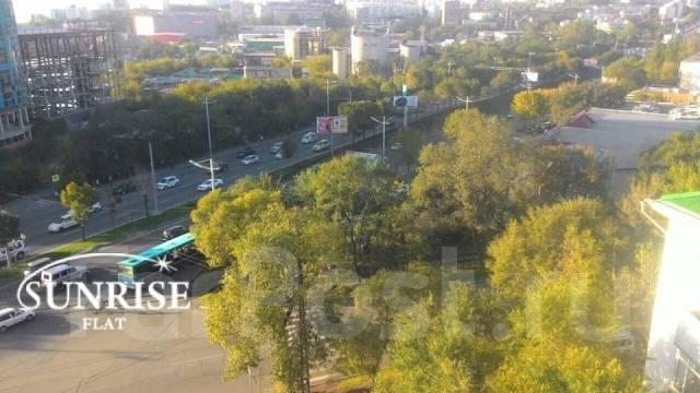 2-комнатная, проспект 100-летия Владивостока 66. Столетие, 44 кв.м. Вид из окна днем