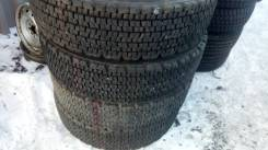 Bridgestone W900. Зимние, 2013 год, износ: 10%, 2 шт
