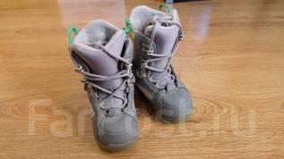 Продам детские сноубордические ботинки Burton