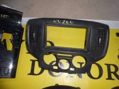 Консоль панели приборов. Nissan NV200, VM20