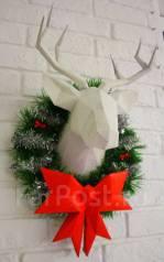 Новогодний подарок Венок Шикарный олень с бантом на дверь украшение