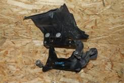Крепление компрессора кондиционера. Mercedes-Benz S-Class, W220