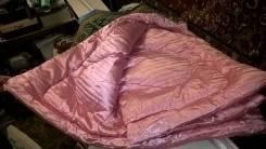 Одеяла пуховые.