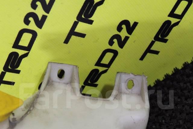 Бачок стеклоомывателя. Subaru Forester, SF5, SF9 Subaru Legacy, BD3, BD5, BD9, BG2, BG3, BG4, BG5, BG7, BG9, BGA, BGB, BGC Subaru Impreza, GC2, GC8, G...