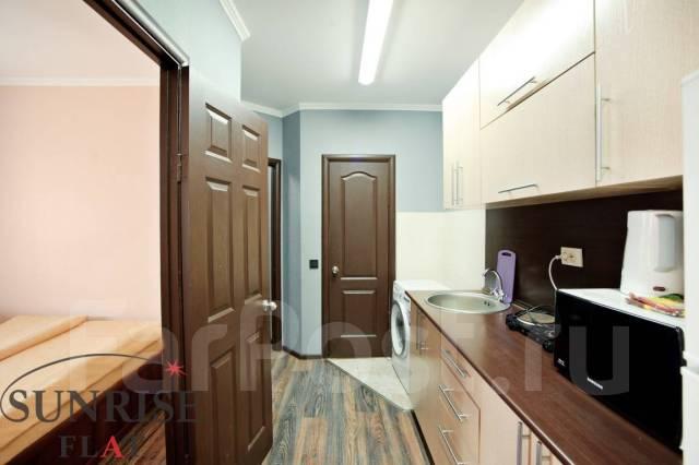 3-комнатная, улица Адмирала Фокина 19. Центр, 65кв.м. Кухня