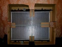 Радиатор охлаждения двигателя. Citroen C4 Peugeot 307