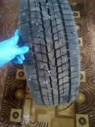 Dunlop SP 068. Зимние, шипованные, 2013 год, износ: 10%, 4 шт