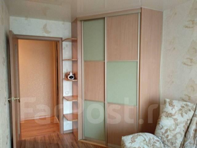 2-комнатная, проспект 100-летия Владивостока 45. Столетие, частное лицо, 44 кв.м. Комната