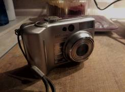 Nikon Coolpix. 7 - 7.9 Мп, зум: 3х