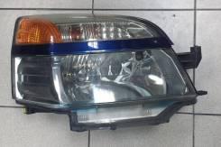 Фара Toyota VOXY AZR60 R
