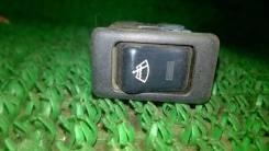 Кнопка включения обогрева. Nissan Bluebird