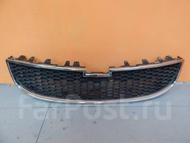 Решетка радиатора. Chevrolet Orlando, J309 Двигатели: 2H0, Z20D1