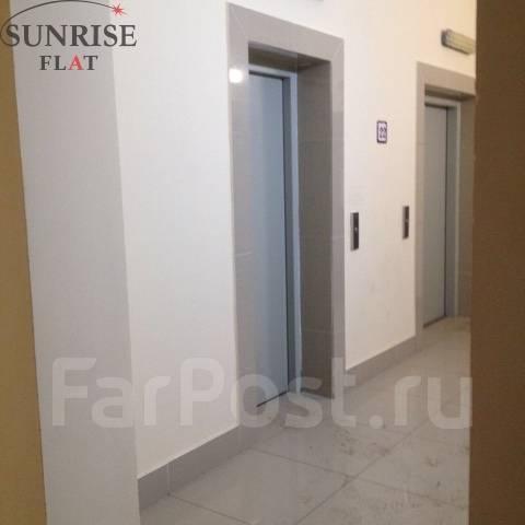 1-комнатная, проспект Красного Знамени 117д. Третья рабочая, 42 кв.м. Подъезд внутри
