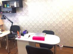 Сдам рабочее место для мастера маникюра и педикюра. Улица Посьетская 38, р-н Центр, 16 кв.м., цена указана за все помещение в месяц. Интерьер